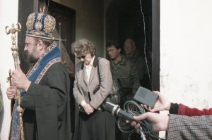 Sahrana stradalih Kravice u Baruncu  vladika Vsilije Boljana Plav_i_ i general Morion na sahrani(