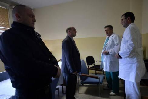 претње лекарима у км