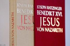 ДА ЛИ ТРЕБА ДА СЛАВИМО ТРАДИЦИЈЕ ЗАСНОВАНЕ НА ЛАжИМА: СРЕЋАН ВАМ ПРАЗНИК КОЈИ НИЈЕ ДАН ХРИСТОВОГРОЂЕЊА