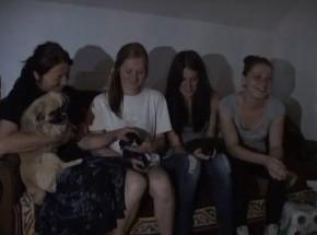 Апел за помоћ породици Вуковић из Грдице код Краљева… У своју спаваћу собу пењу се помоћумердевина