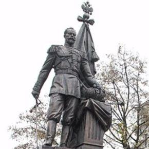 Нек' брат Србин се прекрсти, кад крај руског прођеЦара!