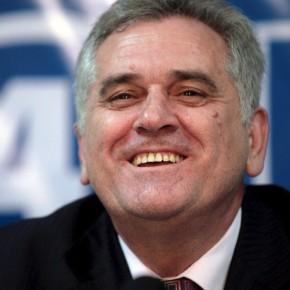НИКОЛИЋ: Да ме нисте извиждали у Комбанку не бих, али сад ћу из ината да потпишем НАТО закон!?